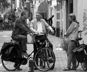 dutch_people_speaking_on_the_street